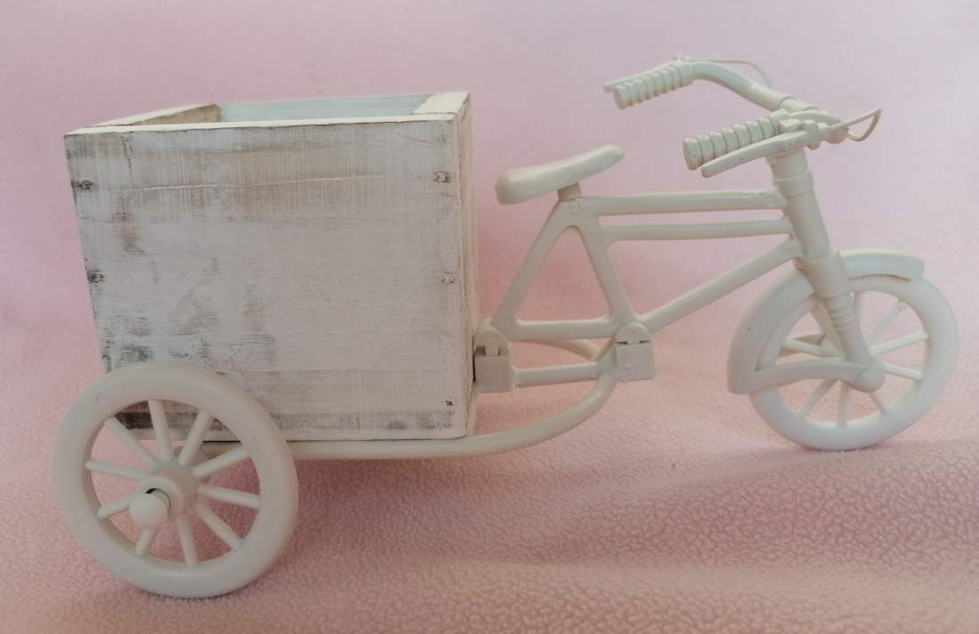 Fa-műanyag tricikli